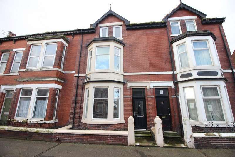 5 Bedrooms Terraced House for sale in North Church Street, Fleetwood