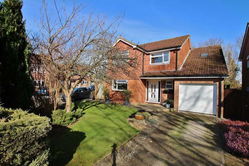 4 Bedrooms Detached House for sale in South Wonston, Winchester