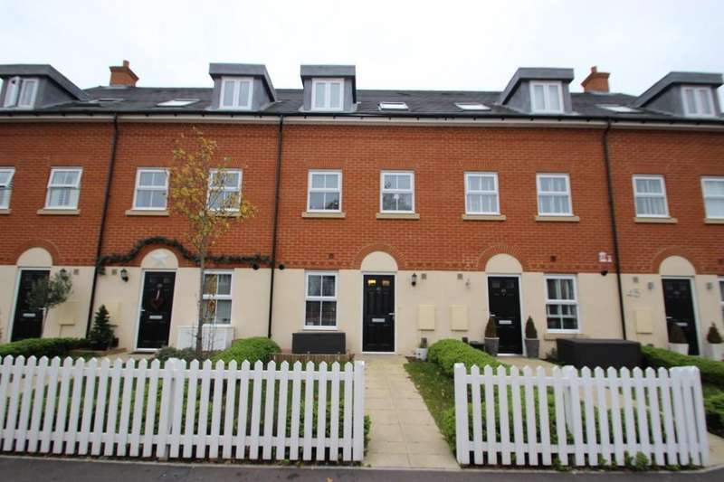 3 Bedrooms Terraced House for sale in Thundersley, SS7