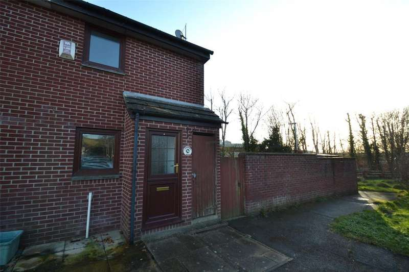 2 Bedrooms Terraced House for sale in Laburnum Drive, Barnstaple