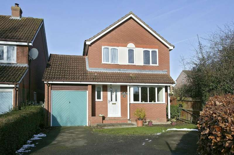 4 Bedrooms Detached House for sale in Melton Road, Wymondham