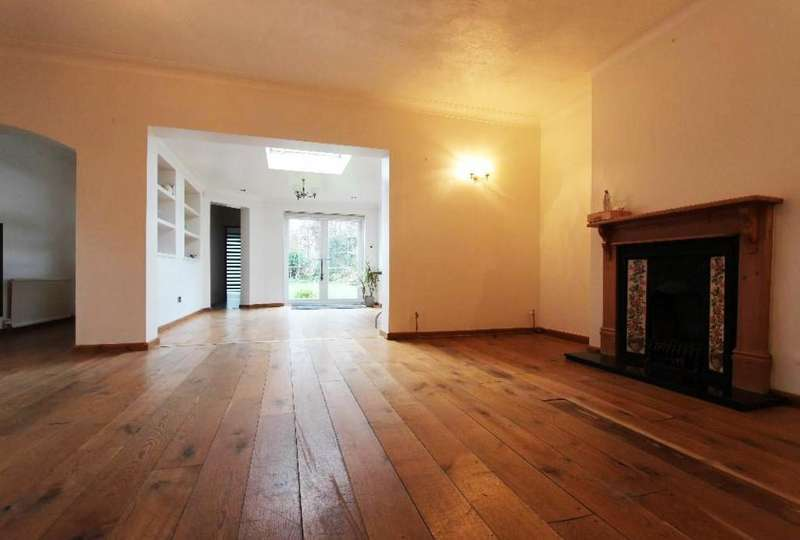 4 Bedrooms Detached House for sale in Great Cambridge Road, Cheshunt, EN8 0NF