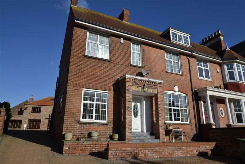5 Bedrooms Semi Detached House for sale in Trinity Road, Bridlington, East Yorkshire, YO15