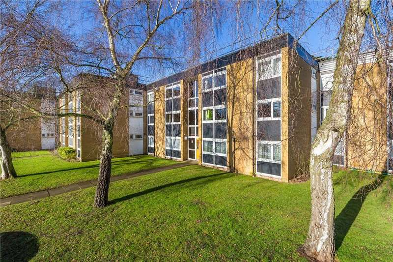 2 Bedrooms Flat for sale in St. Pauls Place, St. Albans, Hertfordshire