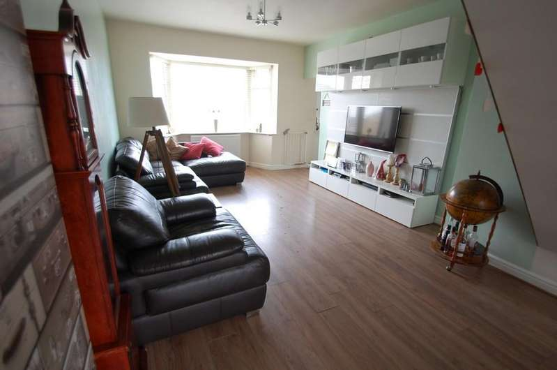 3 Bedrooms Semi Detached Bungalow for sale in Hazel Grove, Knuzden, Blackburn