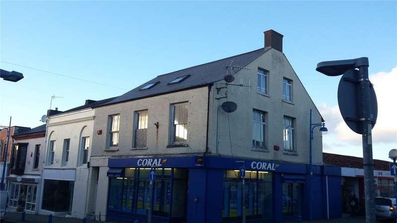3 Bedrooms Flat for sale in Flat 1, Dimond Street, Pembroke Dock, Pembrokeshire