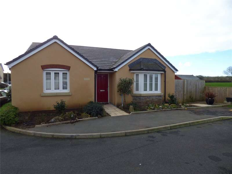 3 Bedrooms Detached Bungalow for sale in Honeyhill Grove, Lamphey, Pembroke