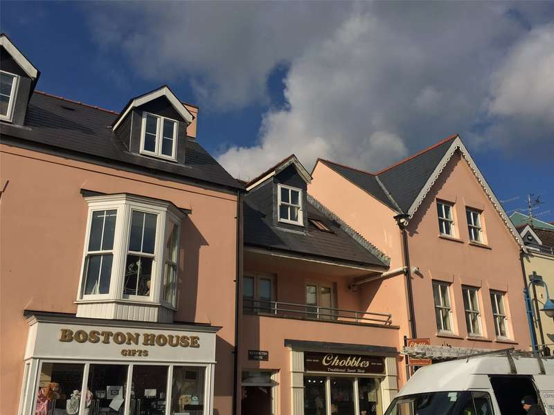 2 Bedrooms Flat for sale in Flat 3, Kensington House, The Strand, Saundersfoot