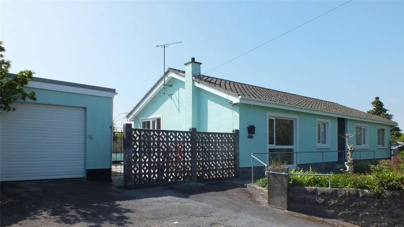 3 Bedrooms Detached Bungalow for sale in Lyngard, Jameston, Tenby, Pembrokeshire