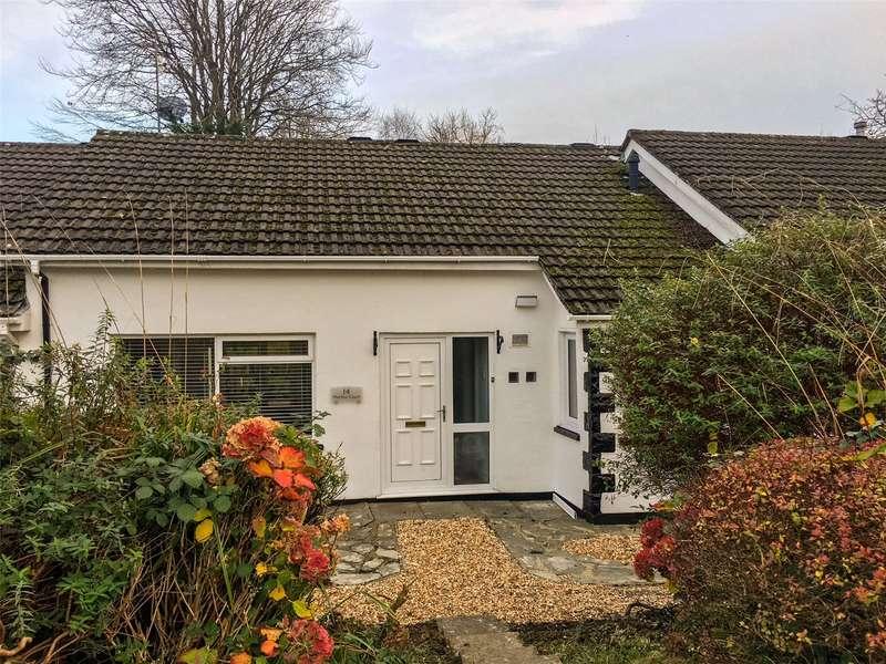 2 Bedrooms Terraced Bungalow for sale in Merlins Court, Tenby
