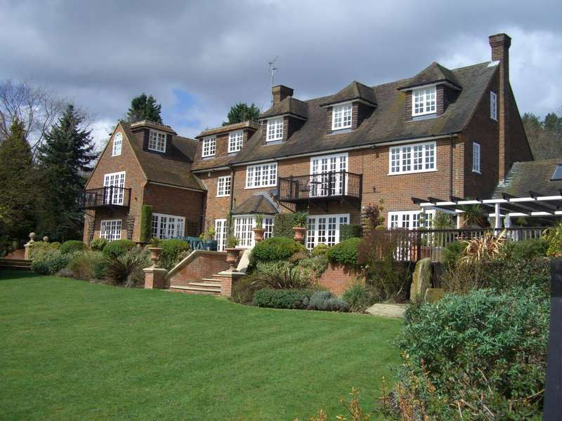 1 Bedroom Flat for rent in Whitepit Lane, Wooburn Green, High Wycombe, Buckinghamshire, HP10