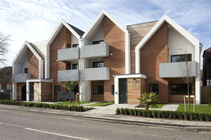 3 Bedrooms Flat for sale in Stowe Apartments, Station Road, Bourne End, Buckinghamshire, SL8