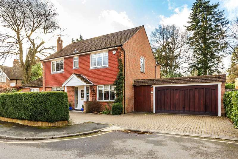4 Bedrooms Detached House for sale in Palmerston Close, Horsell, GU21