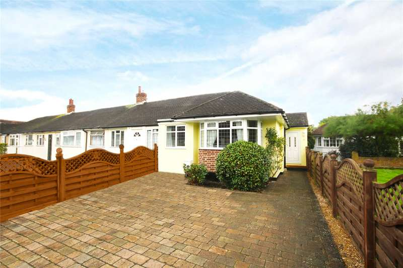 2 Bedrooms Bungalow for sale in Bramley Close, Chertsey, Surrey, KT16