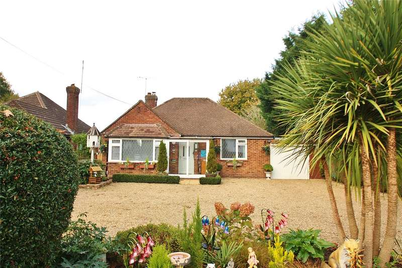 3 Bedrooms Detached Bungalow for sale in Brentmoor Road, West End, Woking, Surrey, GU24