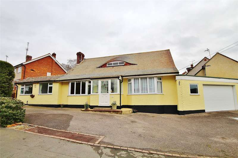 3 Bedrooms Detached Bungalow for sale in Limewood Close, St Johns, Woking, Surrey, GU21