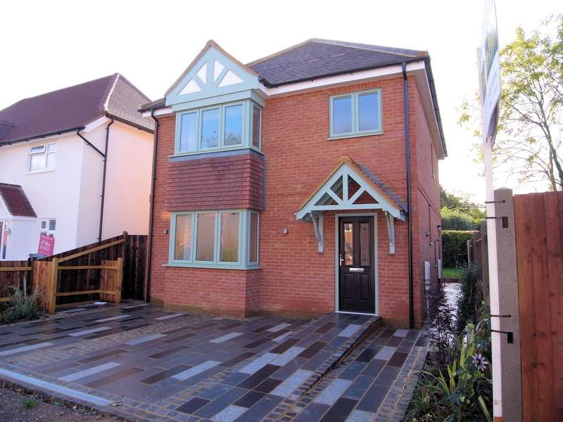 3 Bedrooms Detached House for sale in Beech Grove, Guildford, Surrey, GU2