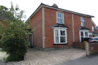 3 Bedrooms Semi Detached House for rent in Clarence Road