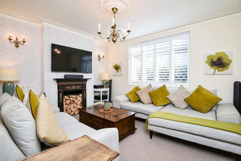 3 Bedrooms Detached House for sale in Johnson Road, Bromley