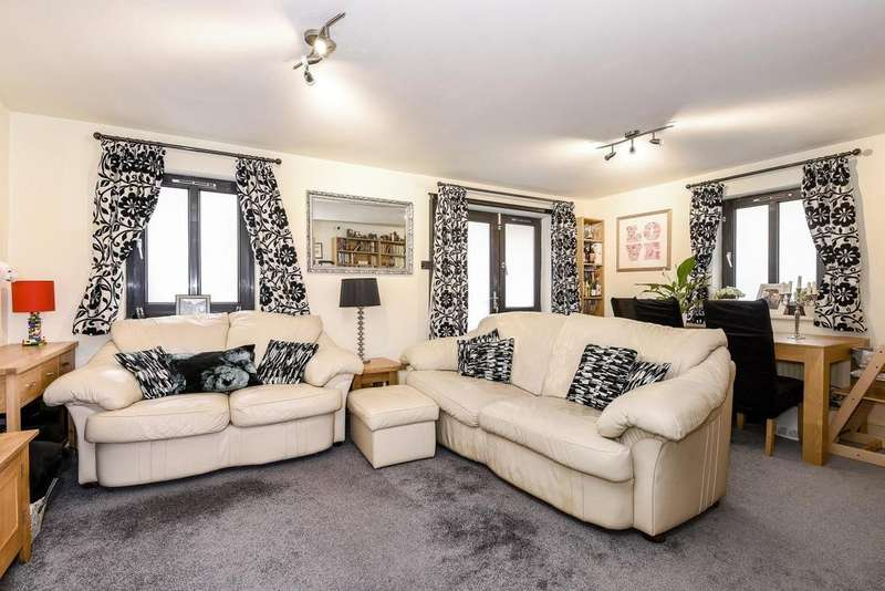 2 Bedrooms Flat for sale in Dalling Road, Hammersmith