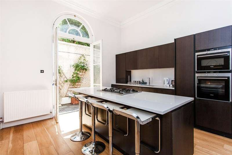2 Bedrooms Maisonette Flat for rent in Hertford Street, London, W1J