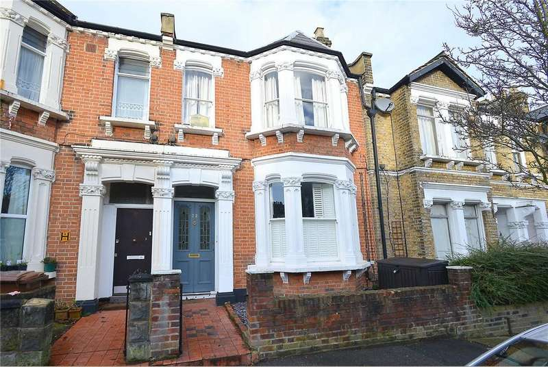 2 Bedrooms Flat for sale in Harlescott Road, Nunhead, London, SE15