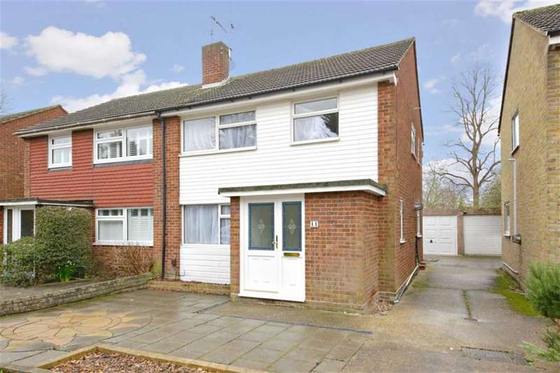 3 Bedrooms Semi Detached House for sale in Hydefield Close, Winchmore Hill, London