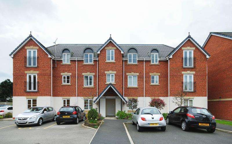 2 Bedrooms Apartment Flat for rent in Meadow View, Orrell, Wigan, WN5 8QG