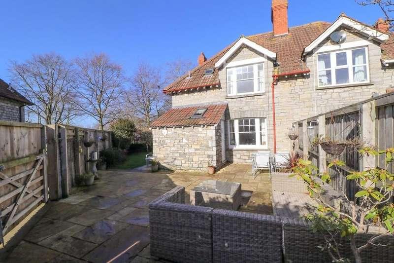 3 Bedrooms Semi Detached House for sale in Grange Road, Street