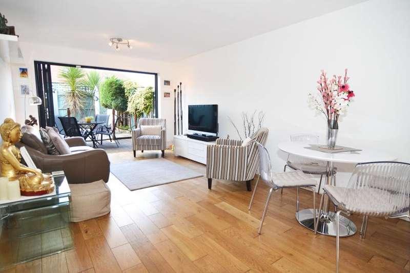 3 Bedrooms Terraced House for sale in Atbara Road, Teddington, TW11