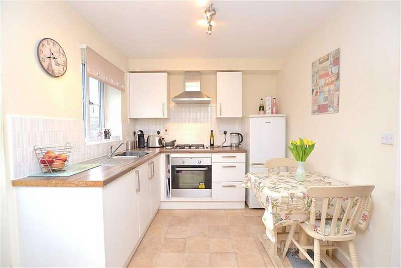 2 Bedrooms Town House for sale in Ribble Avenue, Burnley, Lancashire