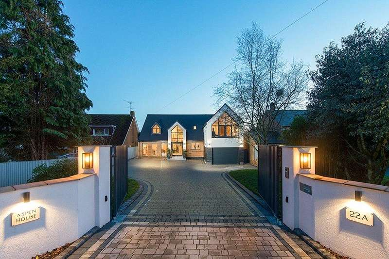 5 Bedrooms Detached House for sale in Middlefield Lane, Hagley, Worcestershire, DY9