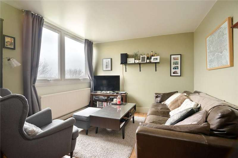 2 Bedrooms Flat for sale in Brenchley Gardens, Forest Hill, London, SE23
