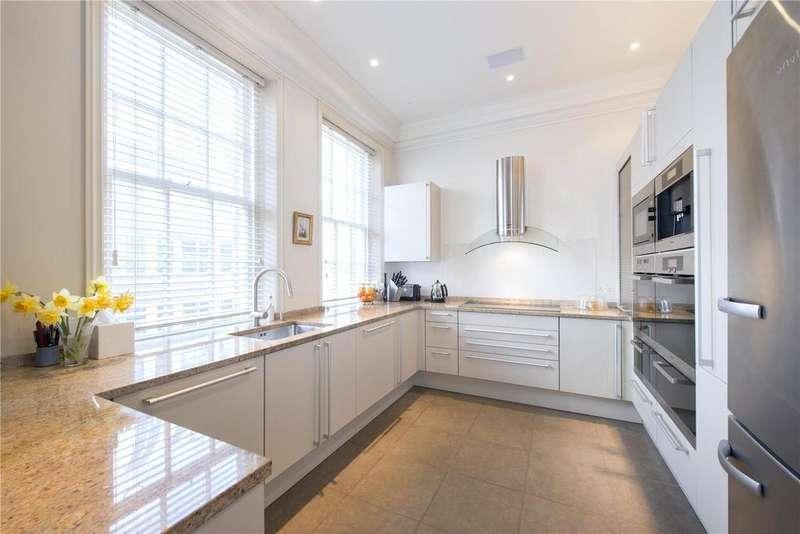 3 Bedrooms Penthouse Flat for sale in Green Street, Mayfair, London, W1K