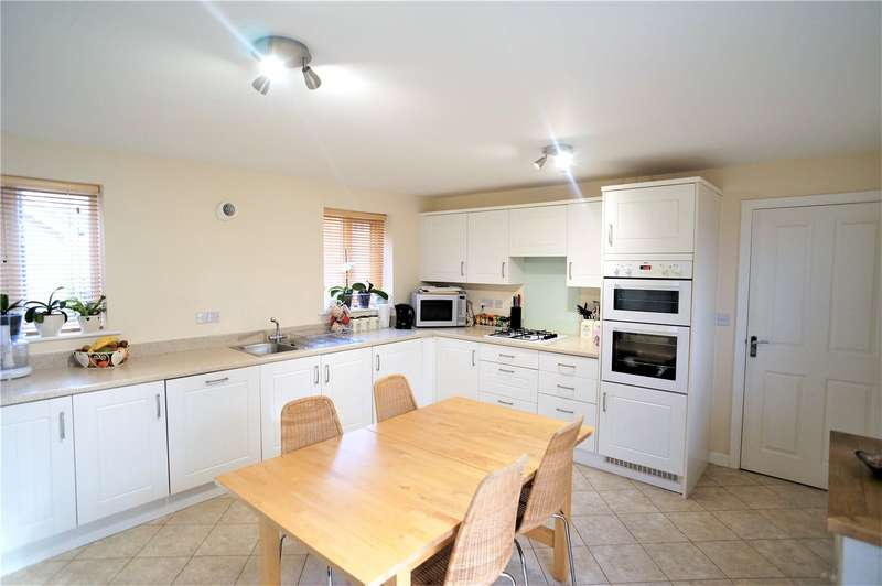 4 Bedrooms House for sale in Chorister Crescent, Hoo, Rochester, Kent, ME3