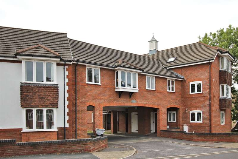 2 Bedrooms Apartment Flat for sale in Beaufort Mews, 1-3 Kingsway, Woking, Surrey, GU21