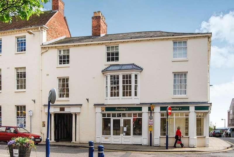 2 Bedrooms Apartment Flat for rent in Market Street, Warwick