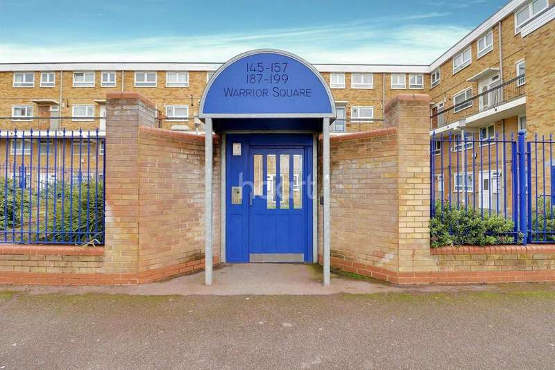 3 Bedrooms Maisonette Flat for sale in Warrior Square, Manor Park