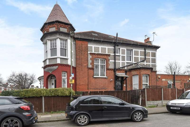 4 Bedrooms Flat for sale in Finchley, London, N3