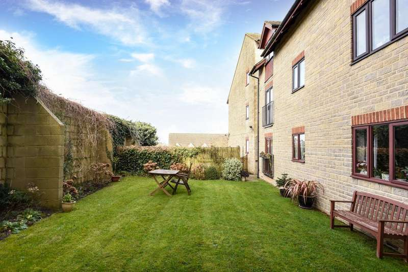 1 Bedroom Retirement Property for sale in Chipping Norton, Oxfordshire, OX7