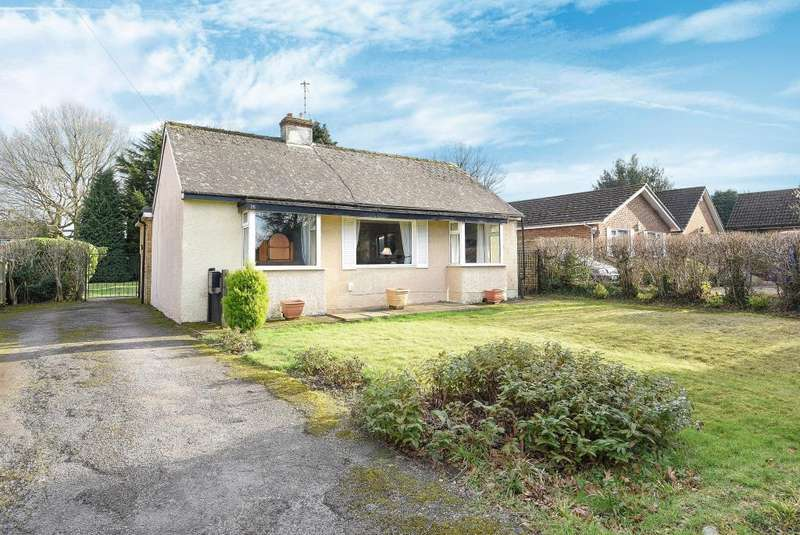 2 Bedrooms Detached Bungalow for sale in Leverstock Green, Hertfordshire, HP2
