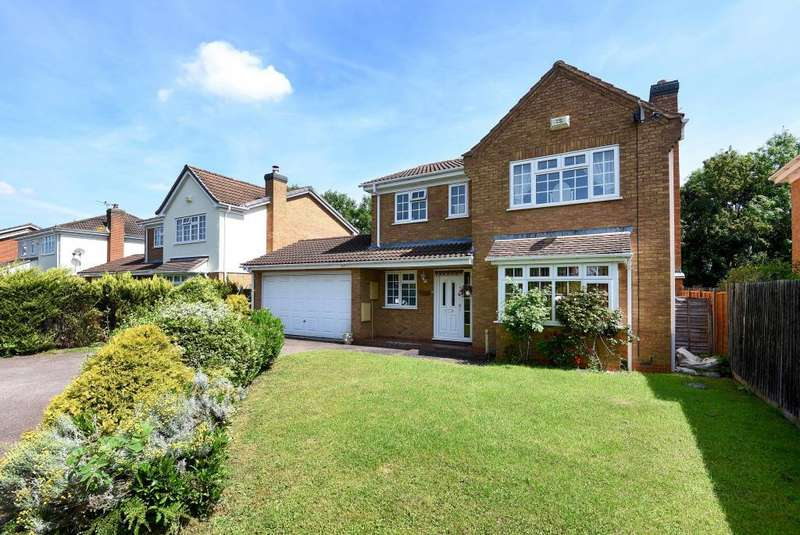 4 Bedrooms Detached House for sale in Shearwater Drive, Langford Bicester, OX26