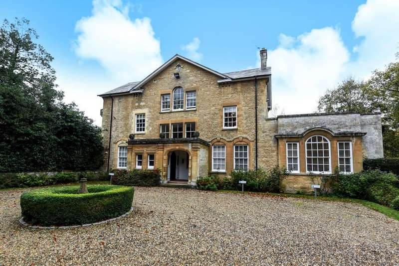 2 Bedrooms Flat for sale in Begbroke, Oxfordshire, OX5