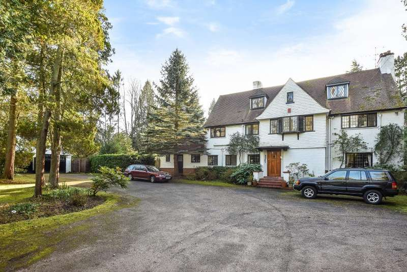 5 Bedrooms Detached House for sale in Wentworth Estate, Surrey, GU25
