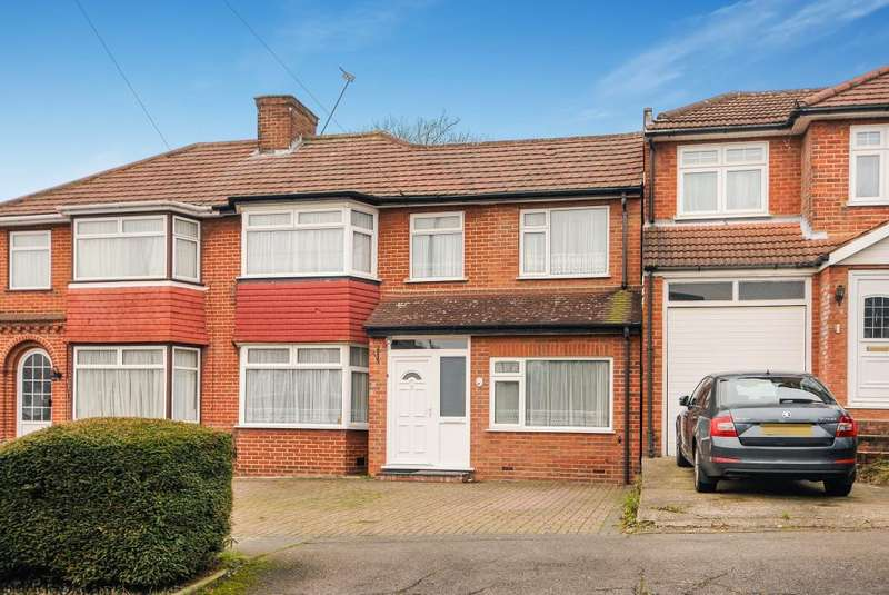 5 Bedrooms House for rent in Coledale Drive, Stanmore, HA7
