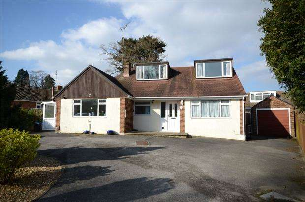 3 Bedrooms Detached Bungalow for sale in Oaklands Drive, Wokingham, Berkshire
