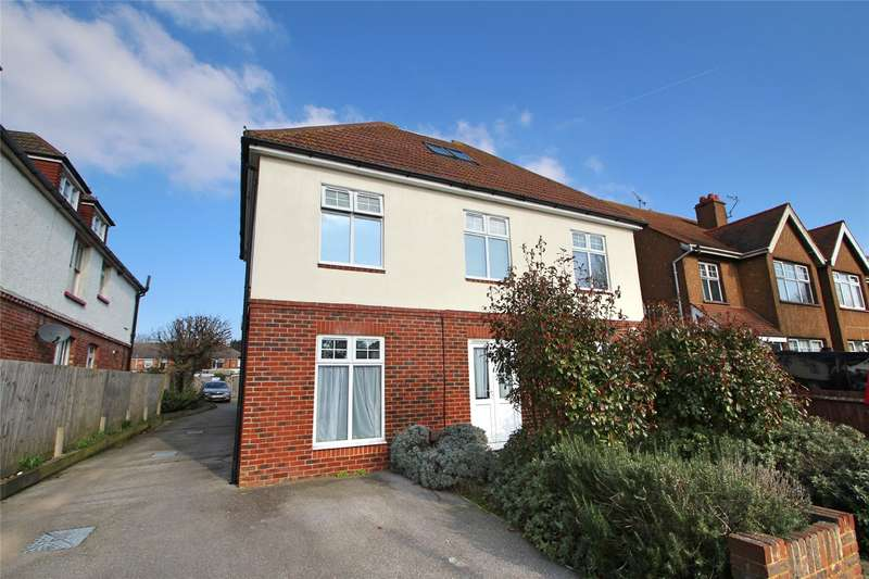 2 Bedrooms Apartment Flat for sale in Pavilion Road, Worthing, West Sussex, BN14