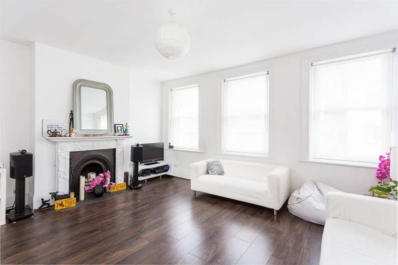 3 Bedrooms Flat for sale in Campsbourne Road, Crouch End, N8