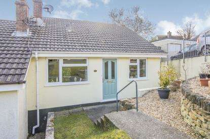 2 Bedrooms Bungalow for sale in St Cleer, Liskeard, Cornwall
