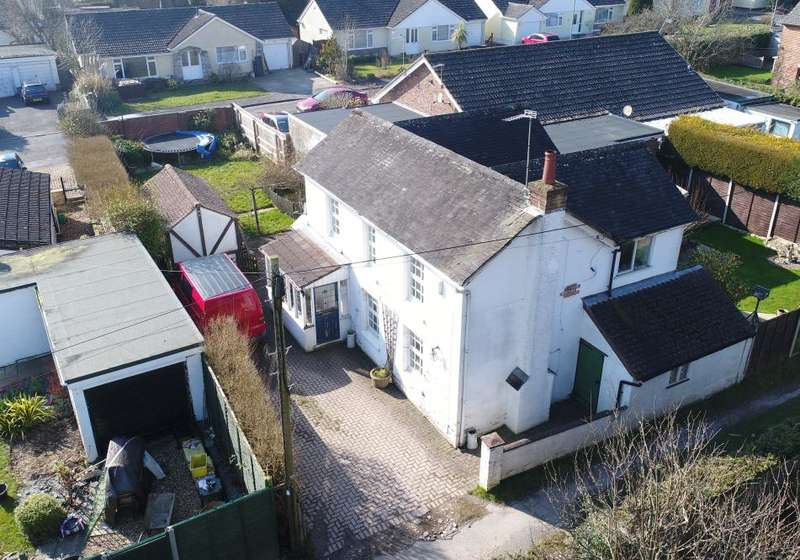 4 Bedrooms Cottage House for sale in The Grove, Ferndown